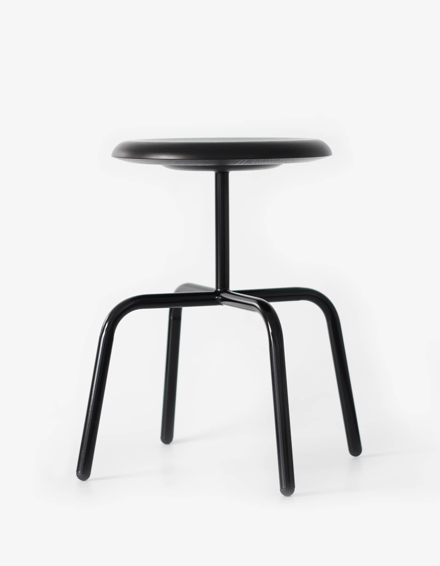 ATELIERHAUSSMANN_HERRENBERGER_HOCKER_STOOL_barhocker- design berlin_made in Germany_gastronomie hocker