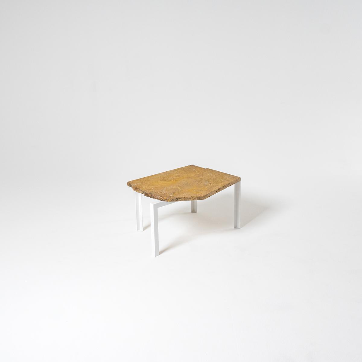 petite table d 39 angle. Black Bedroom Furniture Sets. Home Design Ideas