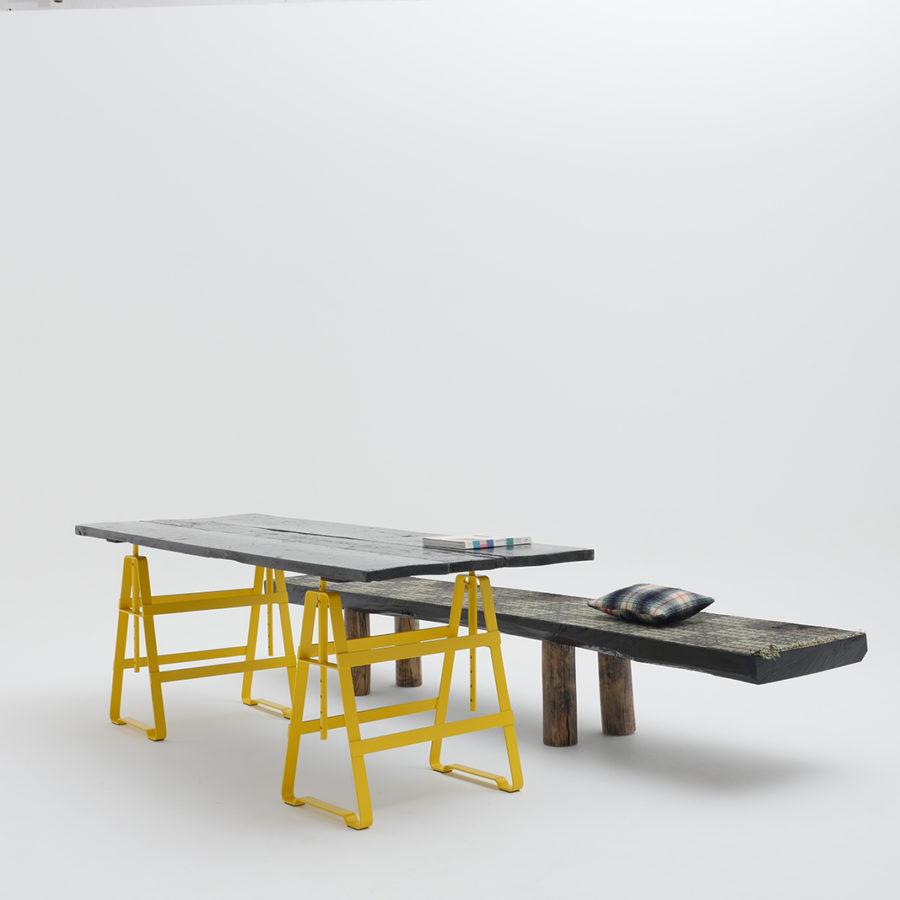 Atelier Haussmann-Böcke Lackaffe Gelb-Bank von Zascho Petkow