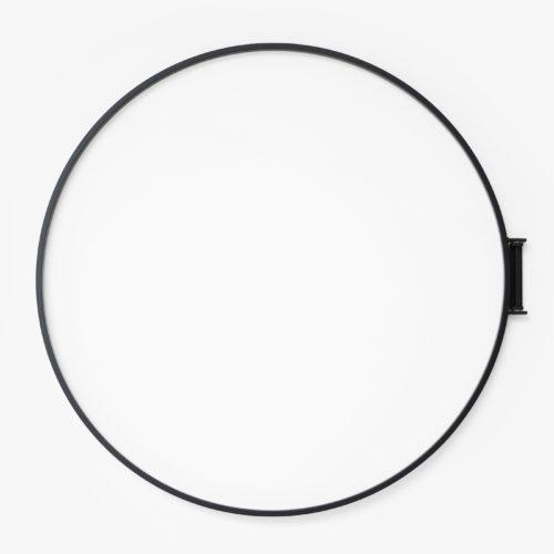 Ringe von Zascho Petkow für Atelier Haussmann sind ein Wandobjekt benutzbar als Garderobe
