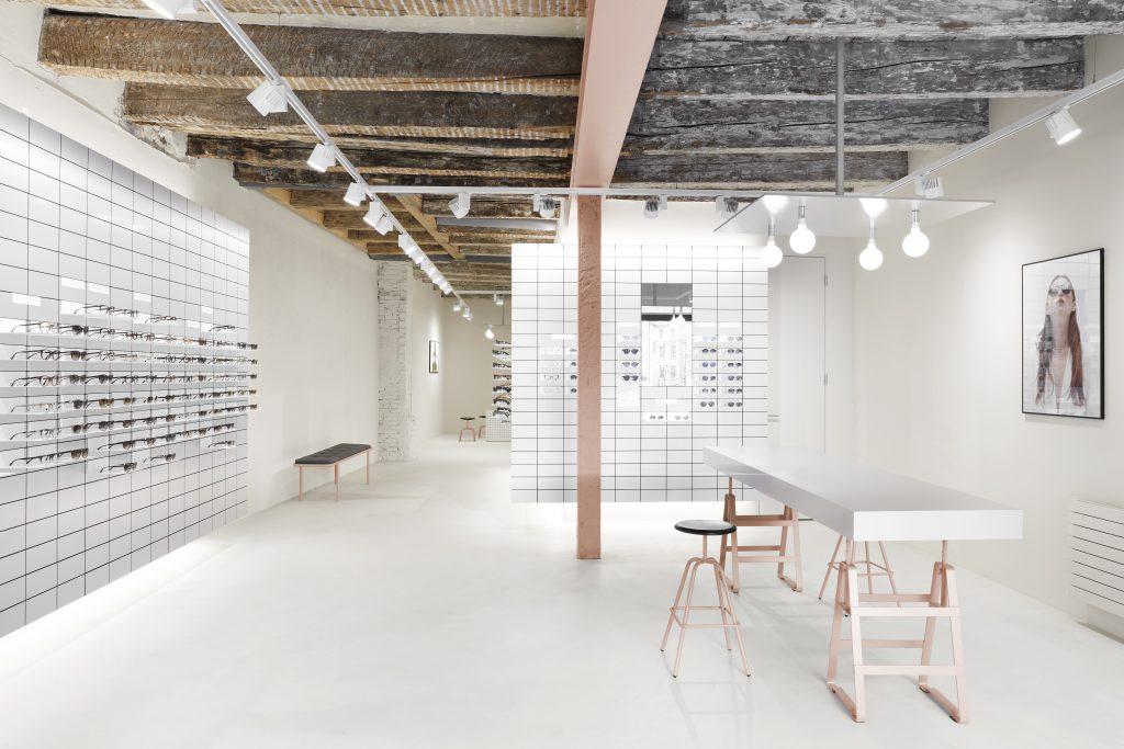 Viu Store, Basel Shop interieur design, herrenberger stool and lackaffe powder coatet in rose