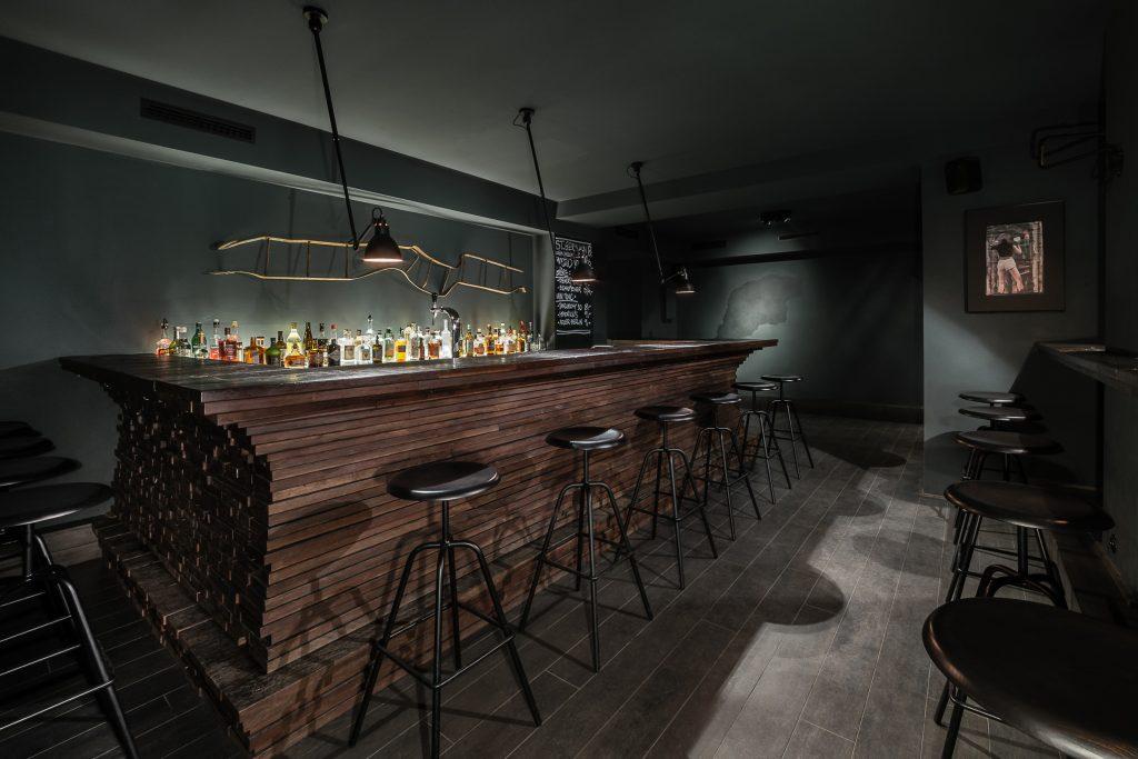 Bar Saint Jean Berlin, Architect Thilo Reich, Herrenberger Hocker von Atelier Haussmann