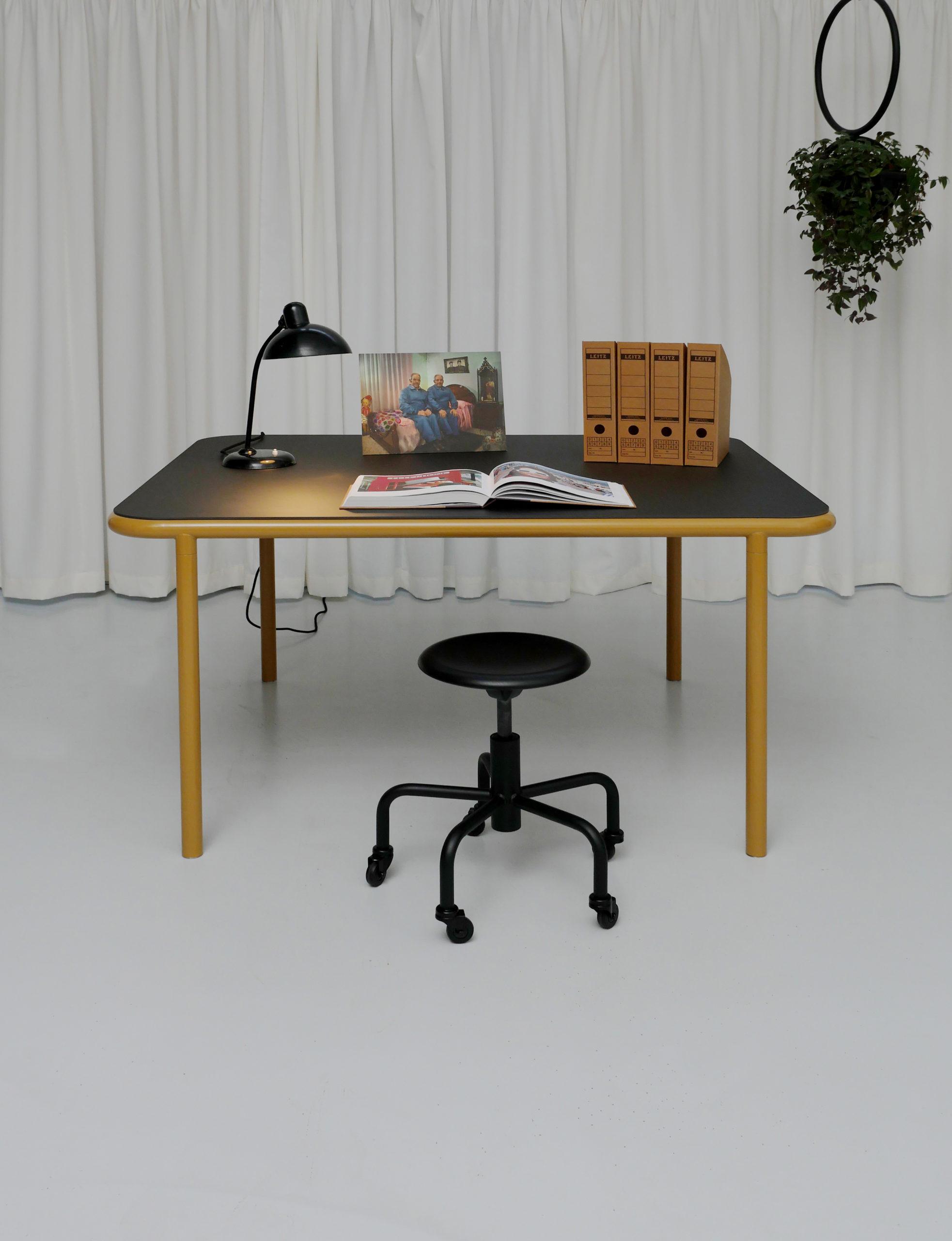 Ernst Rollhocker schwarz Atelier Haußmann