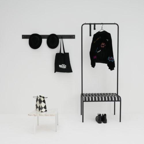 Youtoo Garderobe Stahl Petite table d'angle Tisch Atelier Haußmann