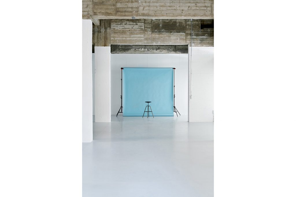 Photo studio Wolkn Location, Herrenberger stool from Atelier Haussmann