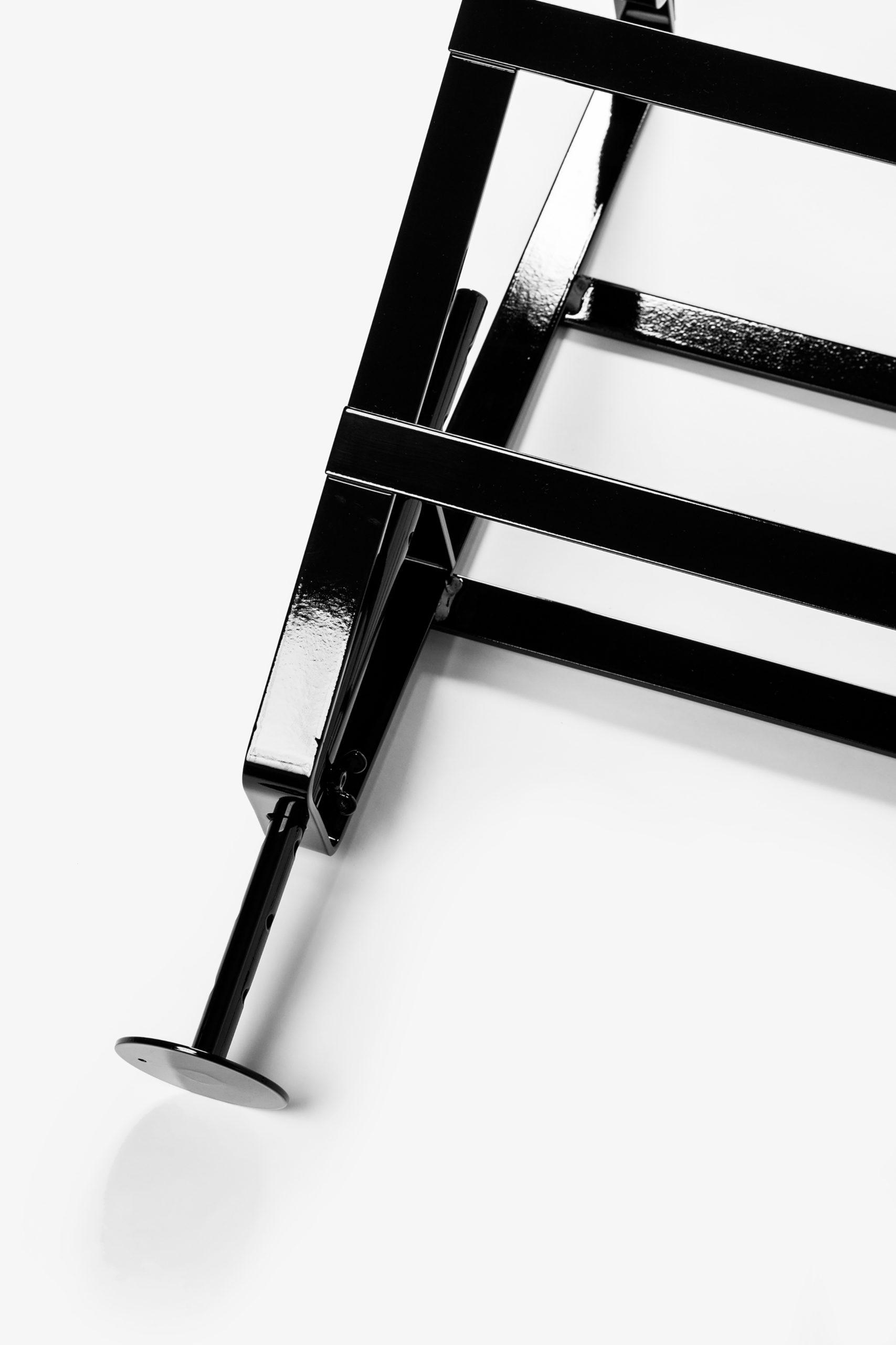 Lackaffe Tischbock Tischgestell Stahl Atelier Haußmann